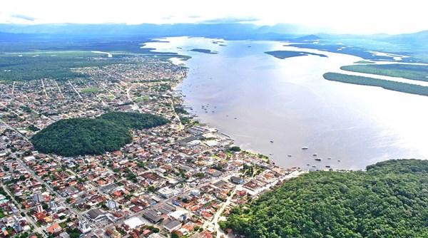 Vista aérea de Guaratuba no Paraná